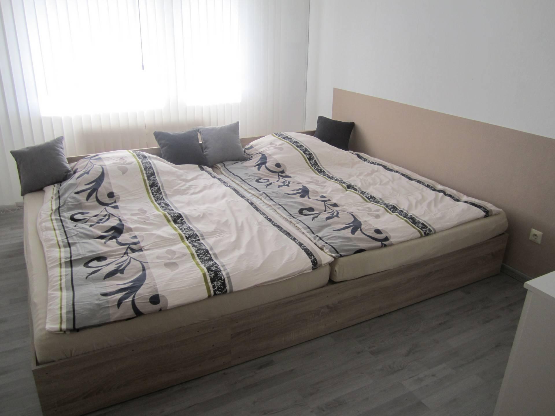ferienwohnung angele in friedrichshafen. Black Bedroom Furniture Sets. Home Design Ideas